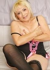 mature slut enjoying herself
