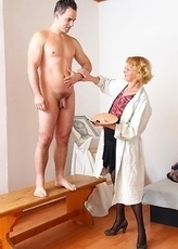 Horny mature artist loves fucking her model